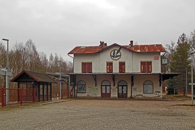 HFF - Nicht mehr genutztes Bahnhofsgebäude von Bad Elster