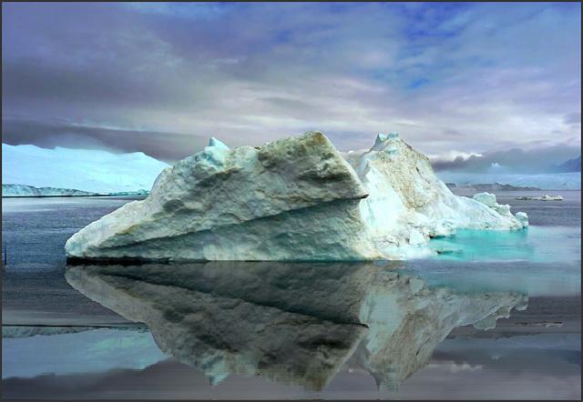 Groenlandia : Ilulissat - centinaia di iceberg galleggiano nel fiordo - (899)