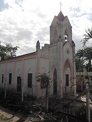 Clôture et église