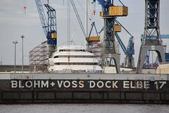 Yacht im Dock