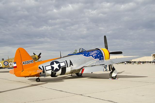 Republic P-47D Thunderbolt N4747P