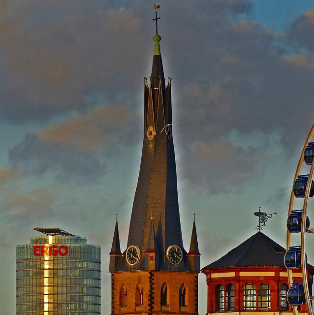 Der schiefe Turm von St. Lambertus, Düsseldorf