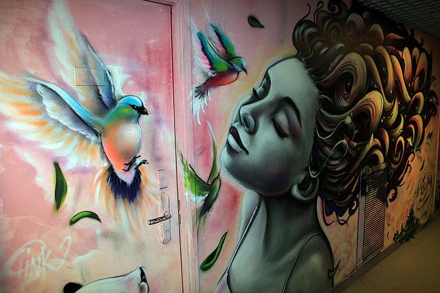 La poésie est l'élégance du rêve .