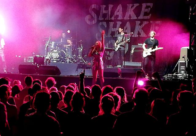 Vence - Shake Shake Go