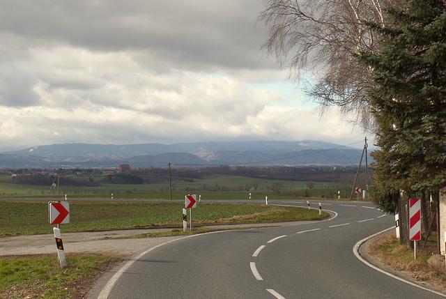 Auf der Rückfahrt vom Harz-Treffen:  Die L 84 bei Danstedt