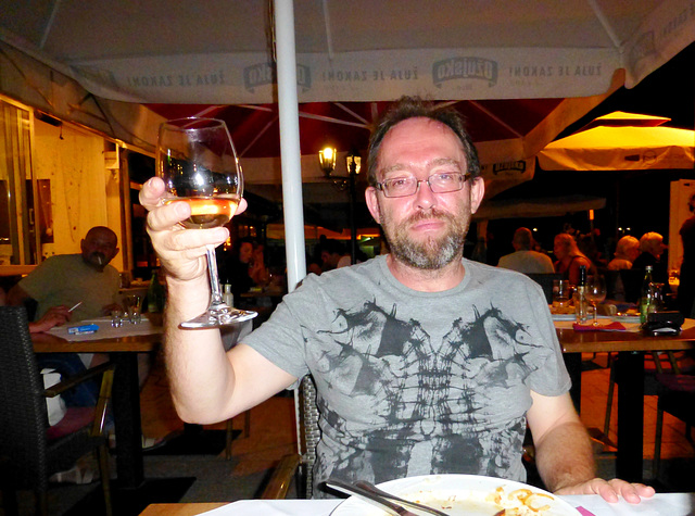 HR - Fažana - me, enjoing a great meal and great wine