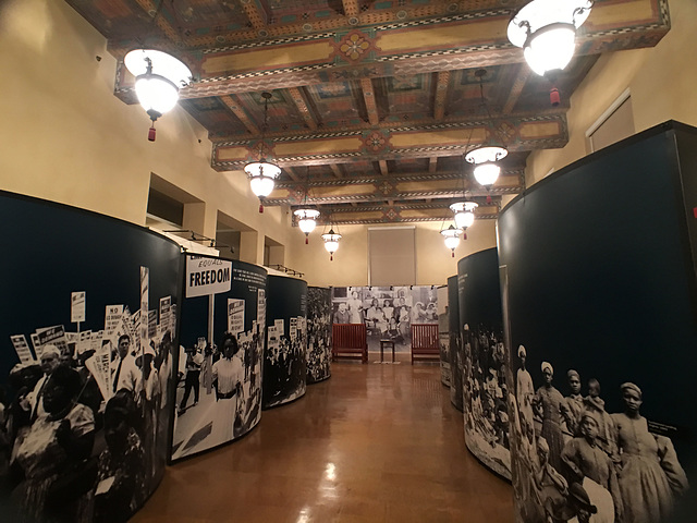 Los Angeles Public Library (0284)