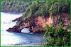 St.Lucia : roccia vulcanica e vegetazione rigogliosa