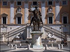 Replica Statua Equestre di Marco Aurelio, Capitoline Square, Rome
