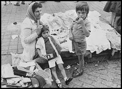La vendeuse et ses enfants