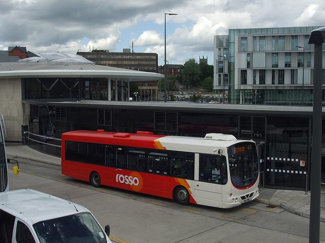 DSCF0509 Rosso (Rossendale Transport) YN57 FWM