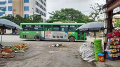 Bus et parasols