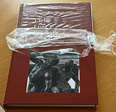 Buch in Cellophanfolie