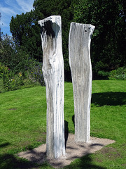 The Sisters.  Sculptor: Nick Eames