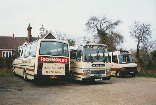 Richmond's 729 KTO, 668 PTM (RMH 868Y) and E408 YLG -15 Feb 1998