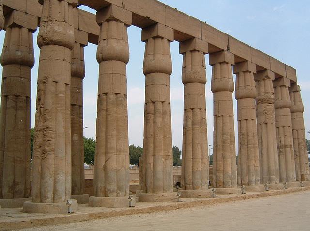 Colonnade de Karnak ....... (EXPLORE)