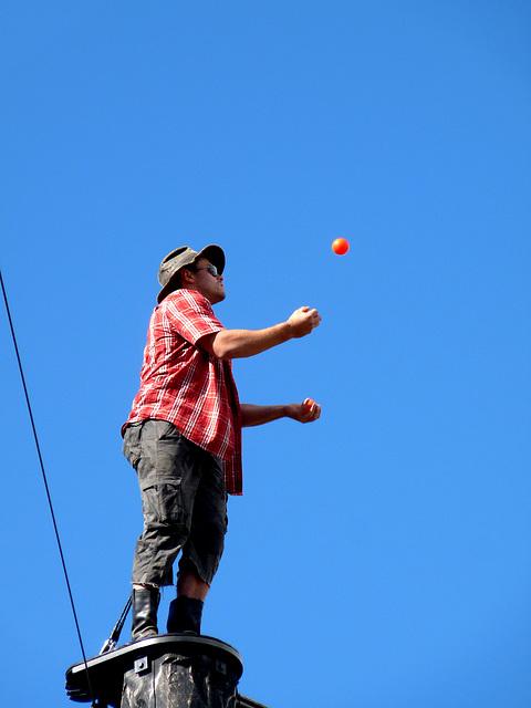 Juggling Lumberjack