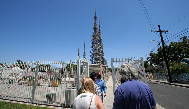 Watts Towers - the tour commences (5062)