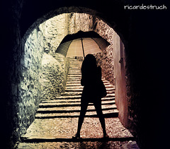 La noia del paraigües - La dama del paraguas - The lady of the umbrella -