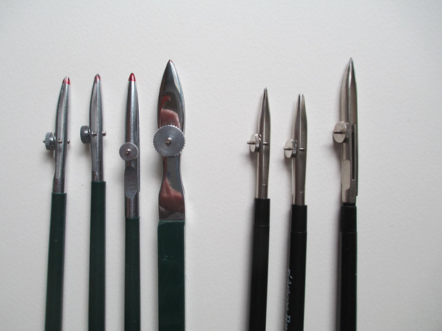 different sized ruling pens