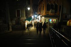 Nachts, unterwegs in Venedig
