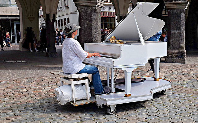 playing the white piano (in Lübeck)