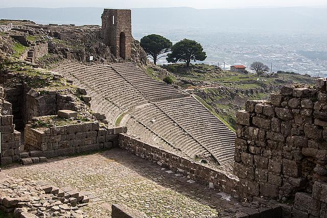 20151207 9794VRAw [R~TR] Theater, Pergamon, Bergama