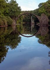 Spätsommer an der Rakotzbrücke