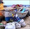 Port Said : la spiaggia, il disordine e le tende spogliatoio o ,meglio, 'vestitoio' perchè qui il bagno si fa vestiti (col burca)