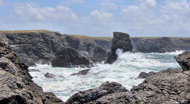 Belle-Ile-en-Mer (56) 13 juin 2013. La mer déchaînée à la Pointe des Poulains.