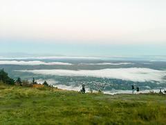 Mt Greylock undercast 06