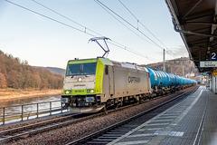 30 - Kesselzug mit 185 562-6 von ITL-Captrain bei der Durchfahrt im Bahnhof Königstein, Sächs. Schweiz