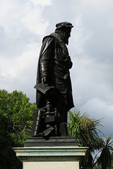 tyndale statue, embankment, london (2)