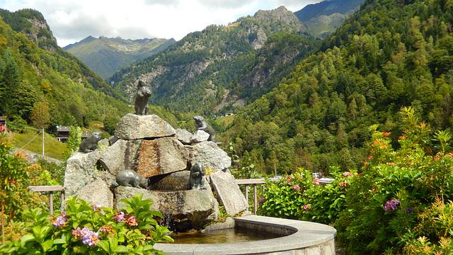 Valsesia- Rimasco , la fontana delle marmotte
