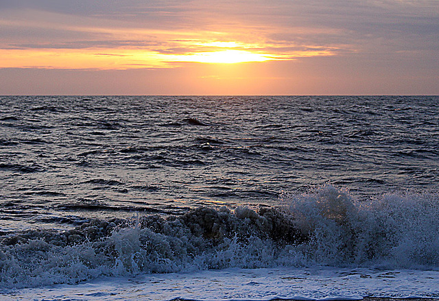 Cold winter sunset on a choppy Channel - Seaford Bay - 21.1.2016