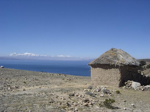 Une vue du lac Titicaca en Bolivie