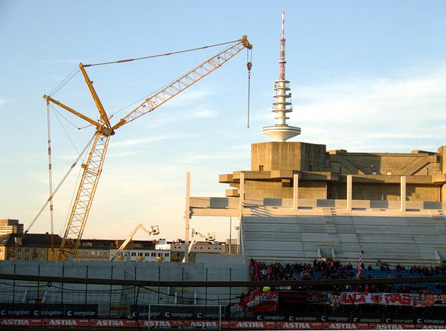 FC St. Pauli - Fortuna Düsseldorf während der Rekonstruktion der Nordkurve im Millerntor-Stadion