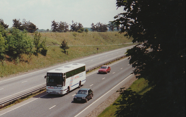 Wessex K991 OEU on the A14 between Bury St Edmunds and Newmarket - 9 Jun 1996