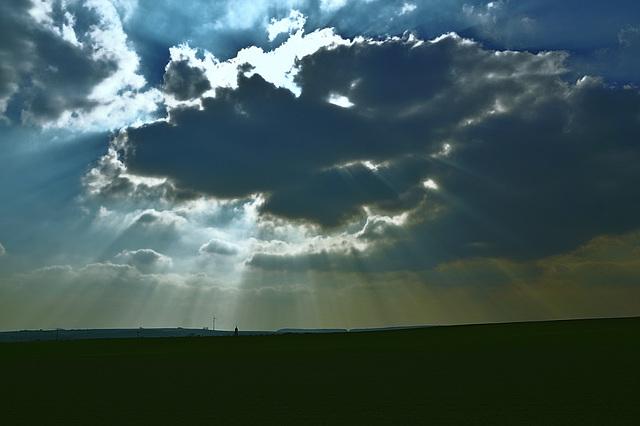 Es geht eine dunkle Wolk herein ... A dark cloud is aproaching