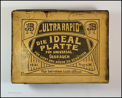 Vintage Photo Plate Box JHB Ultra Rapid (01)