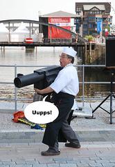 Uupps-kaum zu halten-die schwere Artillerie