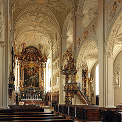 Zeitgenössiger Prunk in der Hofkirche