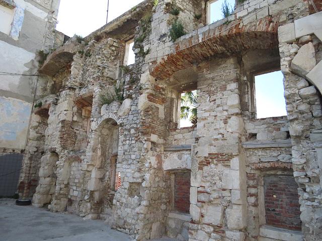 Split : le mur sud de l'intérieur, 2