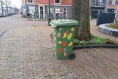 Fruity bin