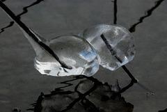 Eisgeister, die miteinander kuscheln