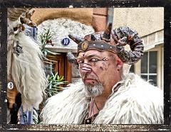 """Crémieu (38) 8 septembre 2019. Parade de la fête des """"Médiévales""""."""