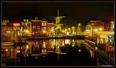 Reflections at night - Leiden