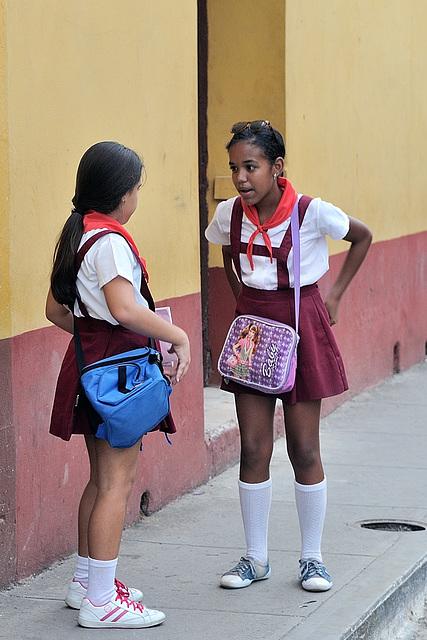 Schoolgirls discusion in Trinidad