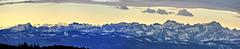 Blick auf die über 60 km entfernten Schweizer Alpen - Morgens um 8 Uhr 38 min