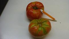 Grandaj tomatoj